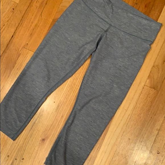 lululemon athletica Pants - Gray lululemon capris sz 8